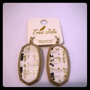 Ladies gold and white leather pendant and earrings